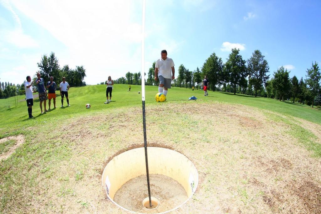 Alessandro-Tancredi-imbuca-footgolf-Golf-Girasoli